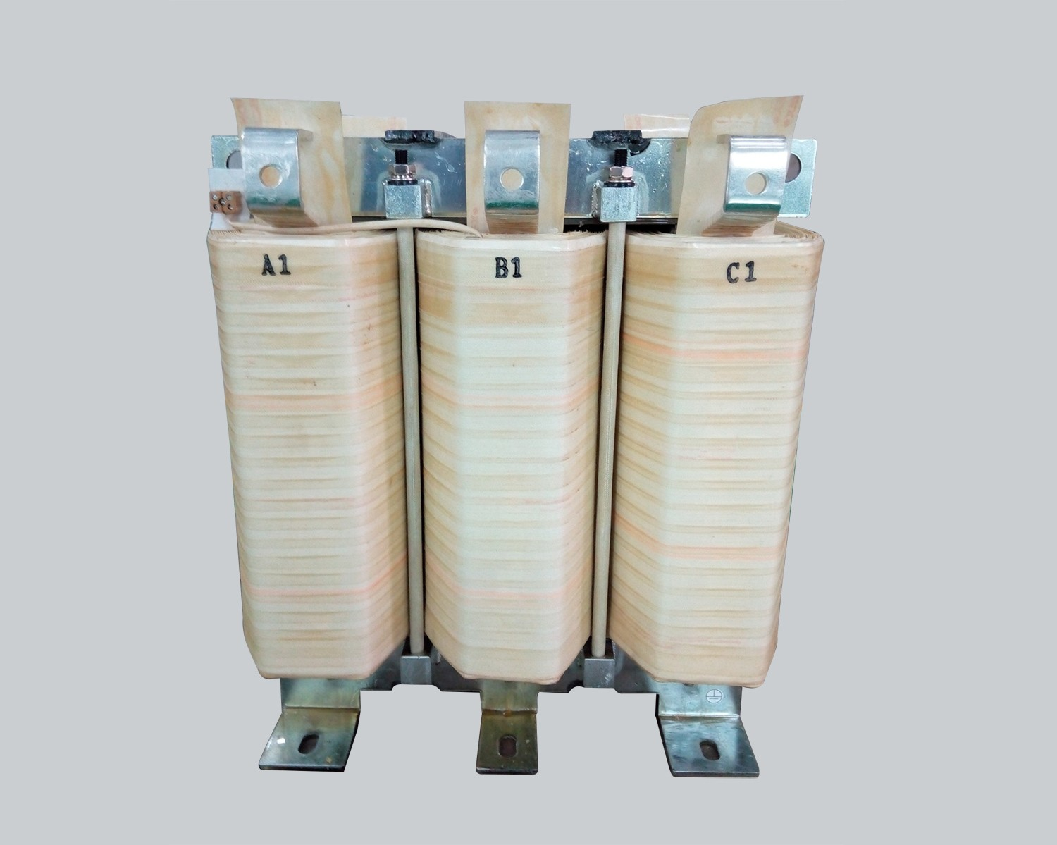 Three-phase filter reactor