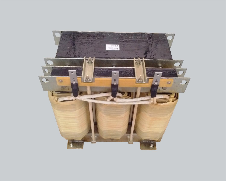 Three-phase input transformer